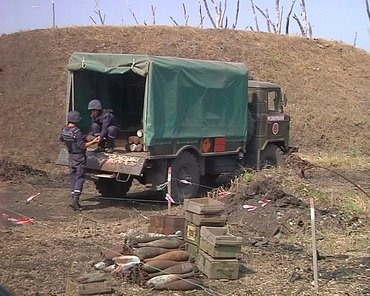 Піротехніки завершують очищення 61 арсеналу, ТРК Сігма