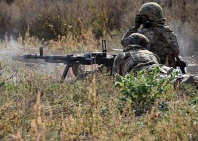 Обстріли на Донеччині: окупанти поранили бійця ООС