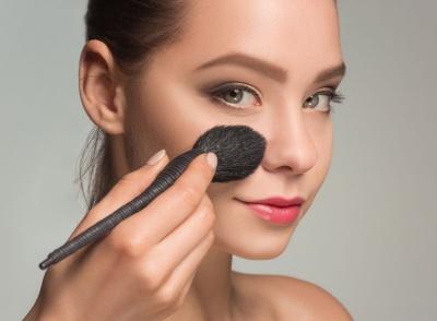 Помилки у макіяжі, через які можна виглядати старшою