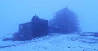 У Карпатах знову сніжно, а температура впала до 0°С - фото