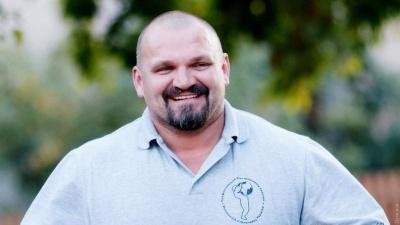 """Василь Вірастюк  склав депутатську присягу під крики """"Ганьба"""""""